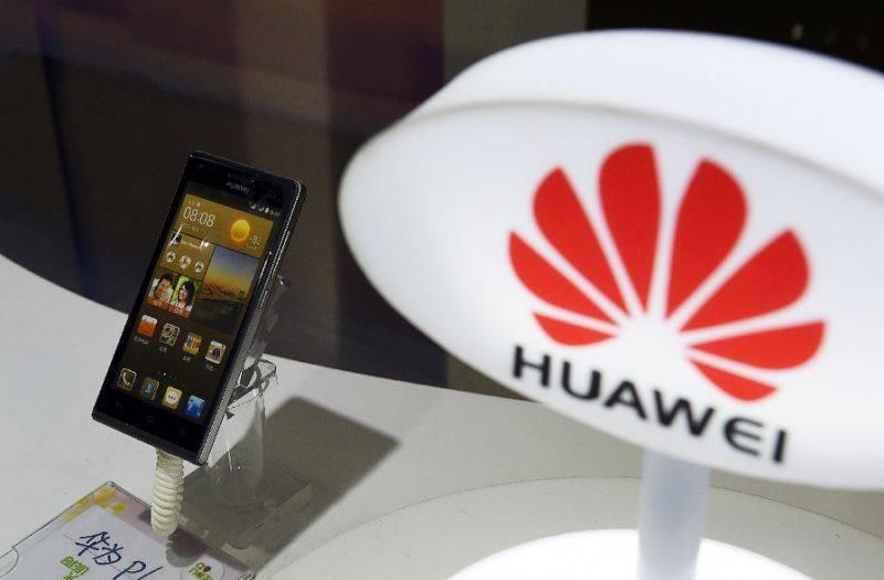 huawei avec un téléphone