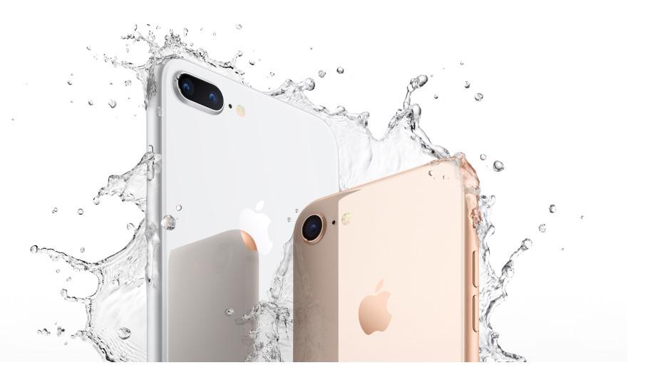 Iphone 8 avec éclaboussure d'eau