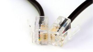 Un cable ADSL RJ45