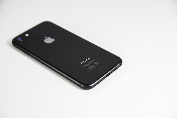 dos de l'iphone 8