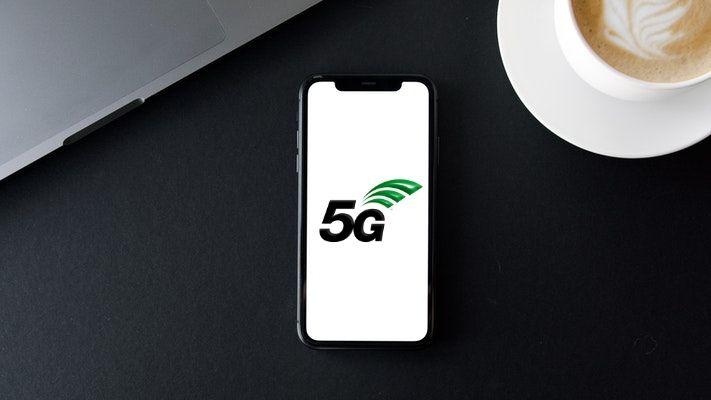 Le logo de la 5G sur un écran de smartphone