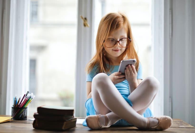 Quel forfait choisir pour le premier téléphone de son enfant ?